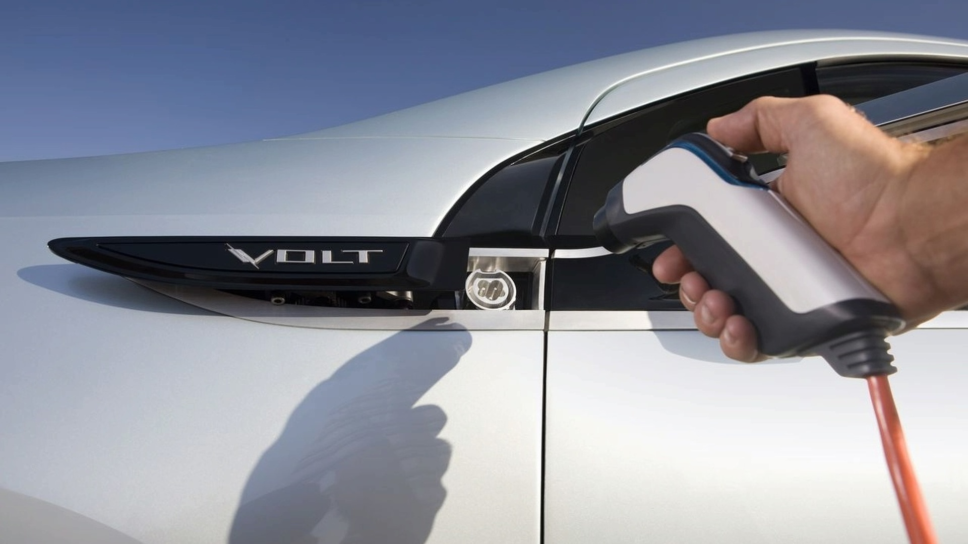 Obama pushes for 1 million plug-in electric hybrids by 2015