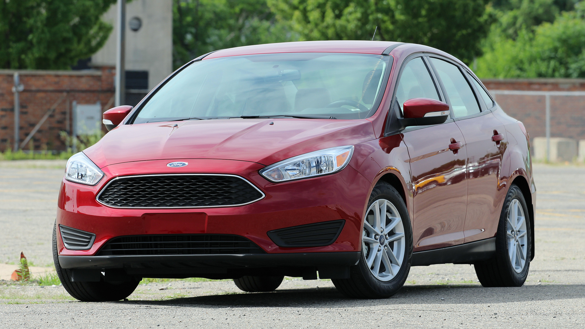 ford stops focus c max hybrid us production for two weeks. Black Bedroom Furniture Sets. Home Design Ideas