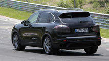 2015 Porsche Cayenne tackles the Nurburgring
