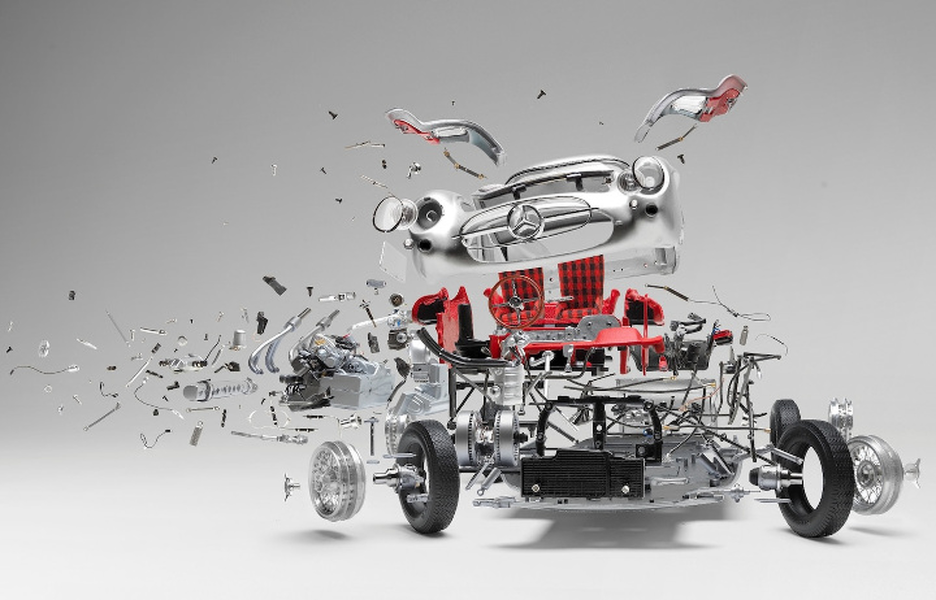 """""""Disintegrating Cars"""" is Stunning Destruction, Suspended in Time"""