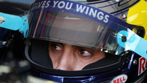 Buemi confirms he is staying with Toro Rosso