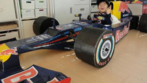 Mom builds cardboard Red Bull Formula 1 car for 4 year-old