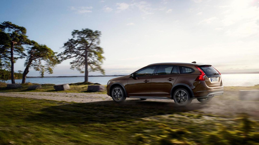 Volvo V60 Cross Country goes official ahead of Los Angeles debut