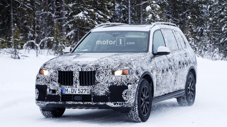 Hear the 2018 BMW X7 growl for the spy camera