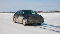 Toyota committed to 2015 launch of fuel-cell vehicle, test car showcased at CES