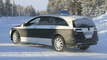 Mercedes R-Class Facelift Latest Spy Photos