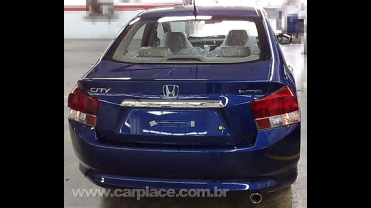 Novo Honda City - Novas fotos revelam detalhes do novo sedan derivado do Fit