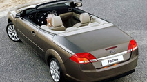Ford Focus Coupe Cabriolet makes UK Debut