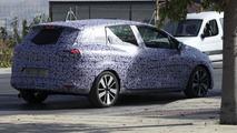 2013 Renault Clio Sports Tourer spy photo 24.9.2012