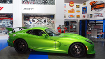 SRT Viper with Stryker Green paint live at 2014 NAIAS