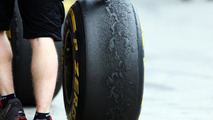 New kevlar tyres 'not terrible' - Grosjean