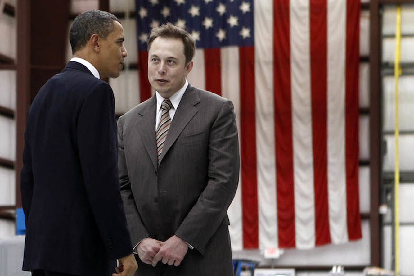 Elon Musk, SpaceX Suing Federal Gov't Over Rocket Contract
