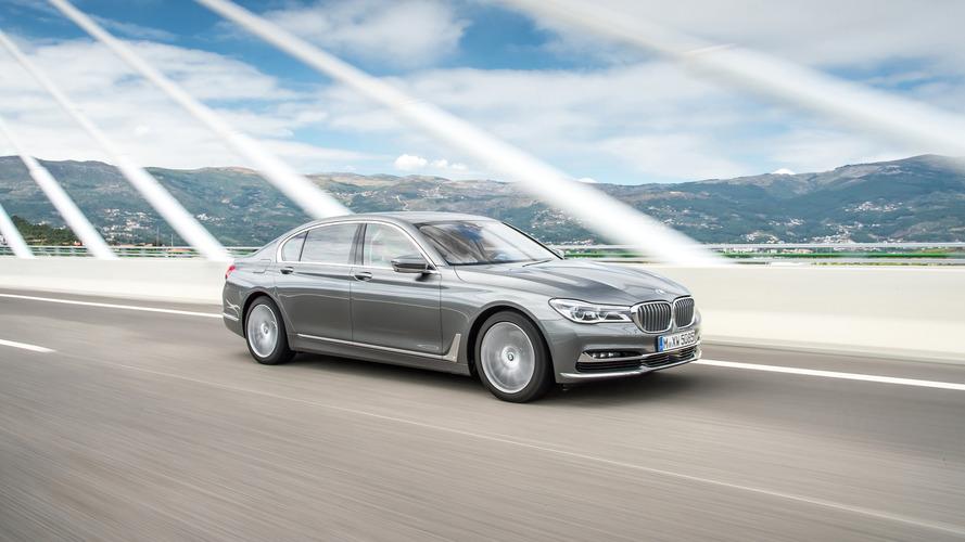 La BMW 750d se dote d'un V6 diesel de 400 chevaux