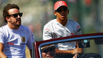Alonso could not cope with equal teammate - Hamilton
