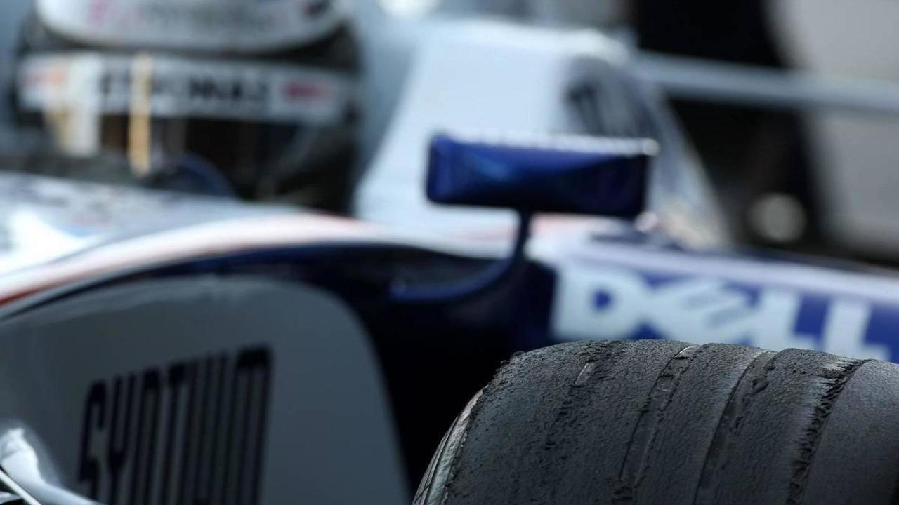 Nick Heidfeld (GER), BMW Sauber F1 Team, tire, 13.02.2008 Jerez, Spain