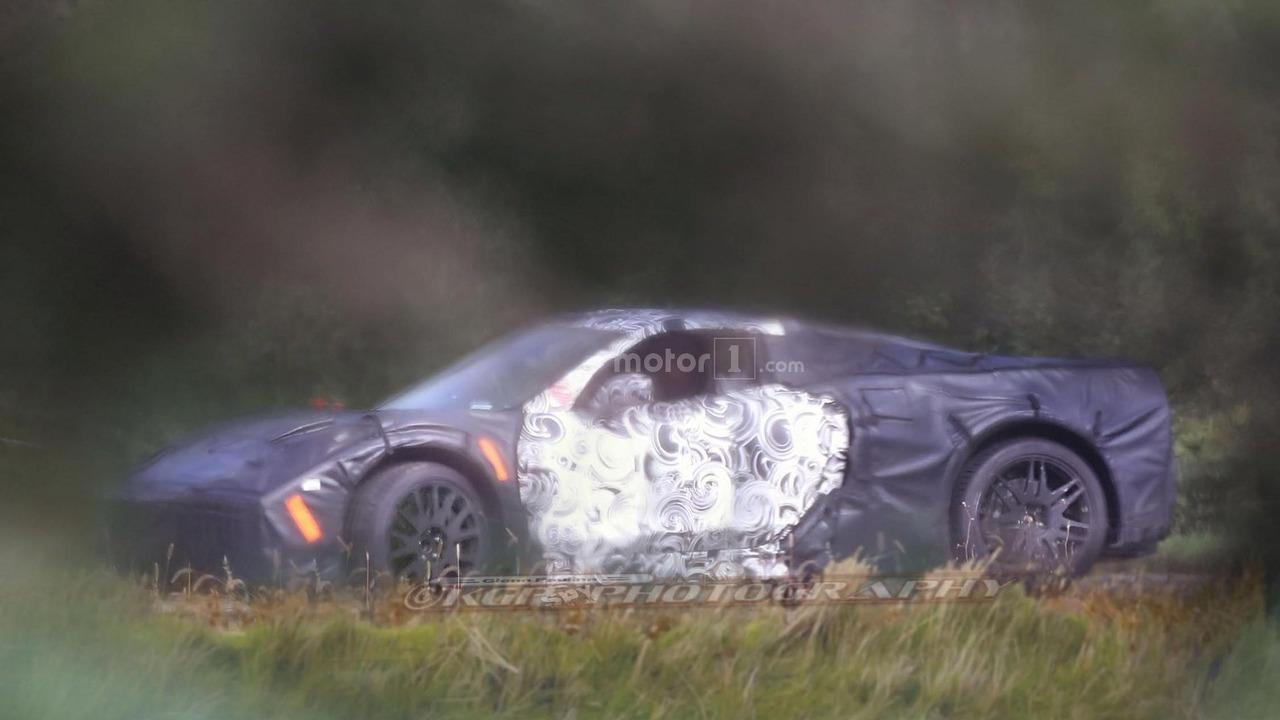 2019 - [Chevrolet] Corvette C8 Stingray Mid-engined-chevy-corvette-spy-photo