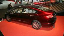 Honda FCX Clarity and CR-Z Make European Debuts