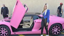 Nicki Minaj shows off her bright pink Lamborghini Aventador