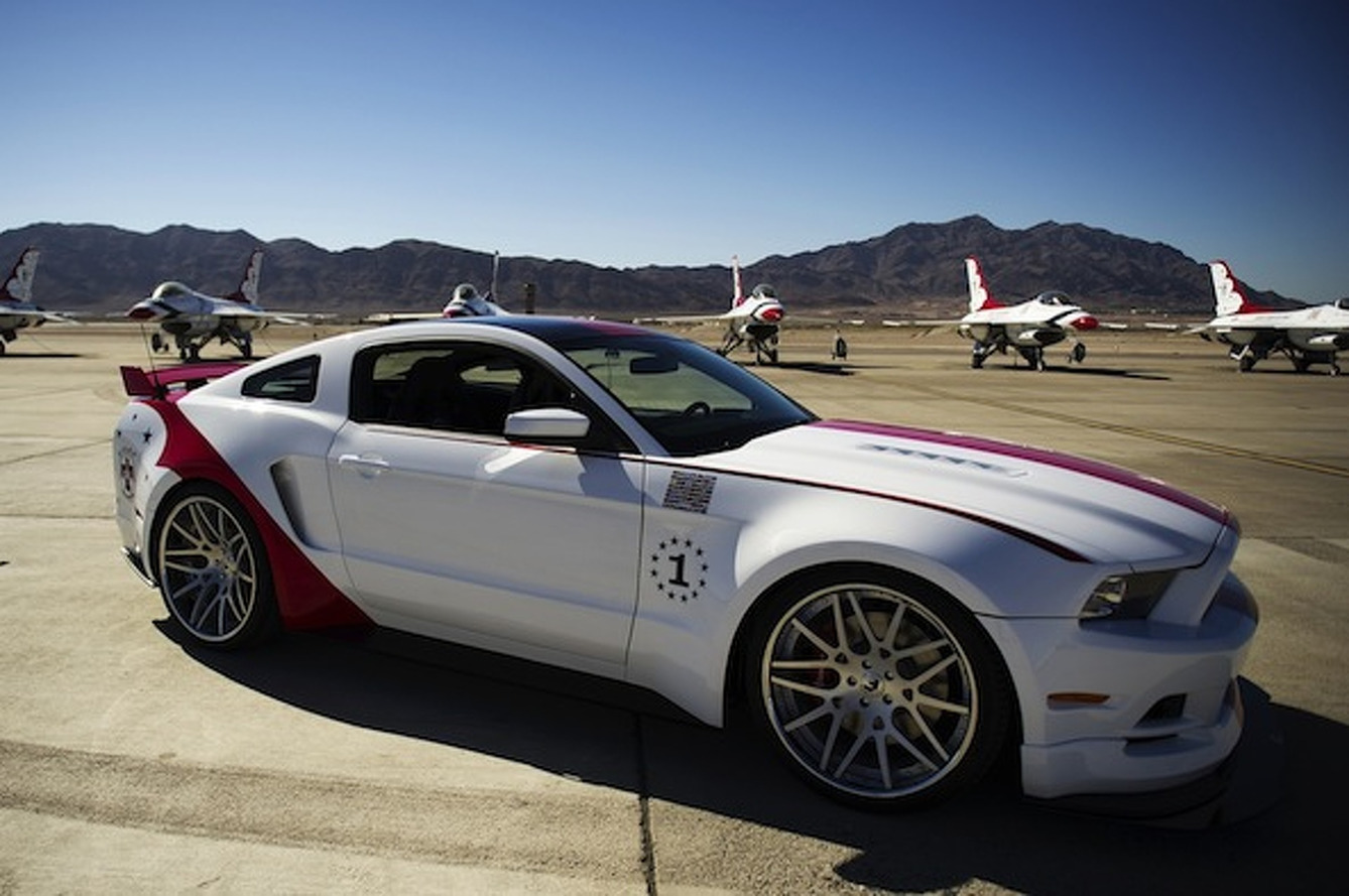 Ford Mustang Air Force Thunderbirds Edition to be Auctioned off at EAA
