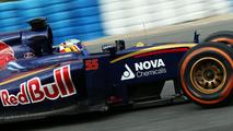 Sainz happy to be in Verstappen's shade