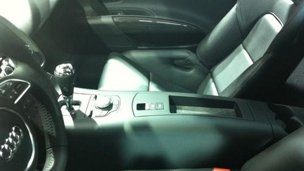 Audi R8 e-tron interior spy photo - 04.1.2012