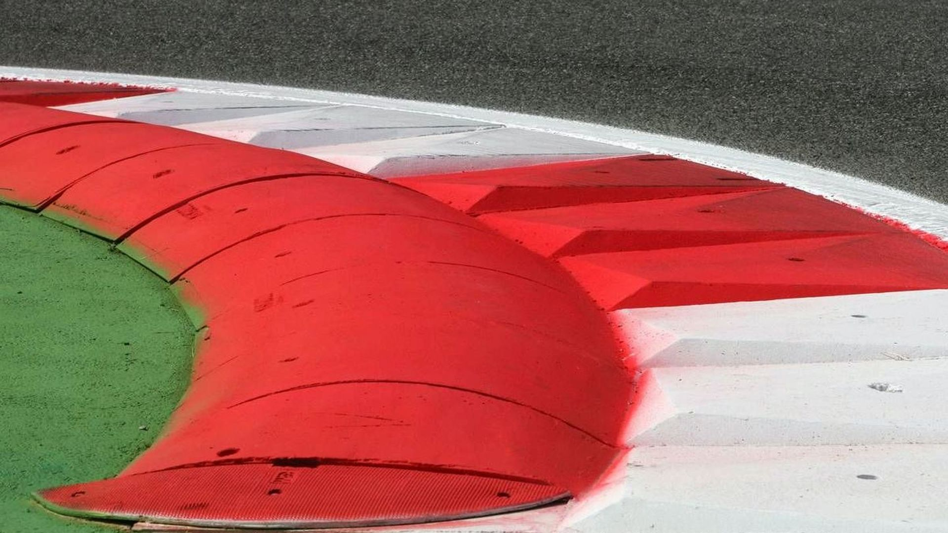 Kerb height lowered at Monza first chicane