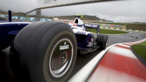 F1 stewards say controversial diffuser designs of Brawn, Williams and Toyota legal