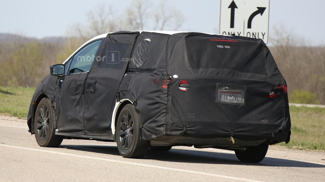 2017 Honda Odyssey spied testing in Ohio   Motor1.com