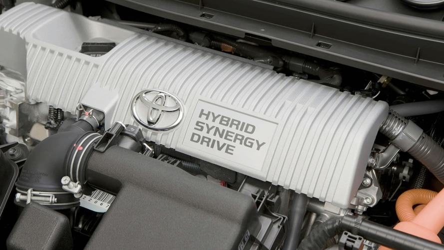 Mazda to License Prius Hybrid Powerplant from Toyota
