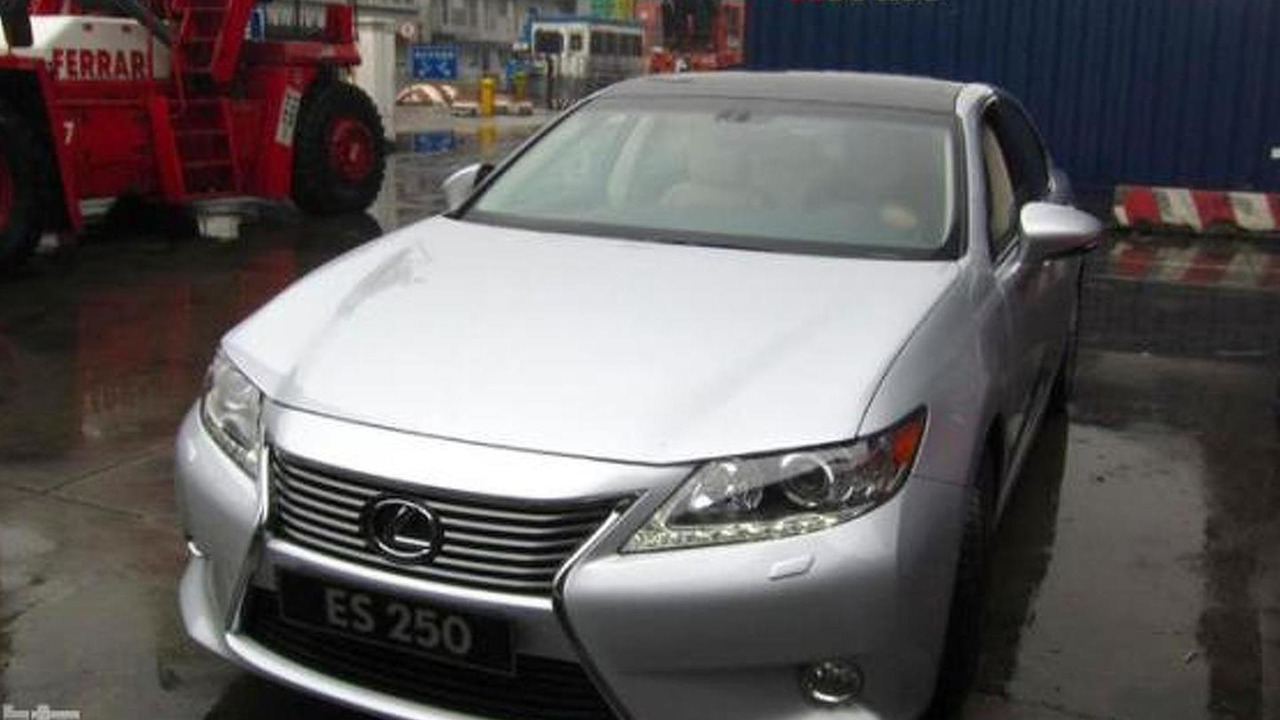 2013 Lexus ES facelift spy photo 22.2.2012