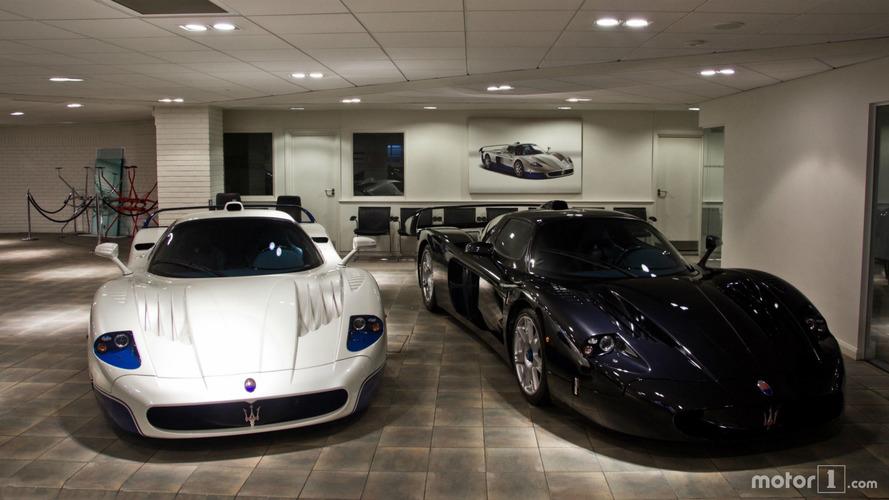 PHOTOS - Deux Maserati MC12 dans une concession à Londres !