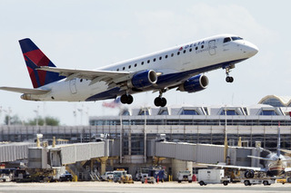 Licenses From These 5 States Won't Be Valid to Board a Flight