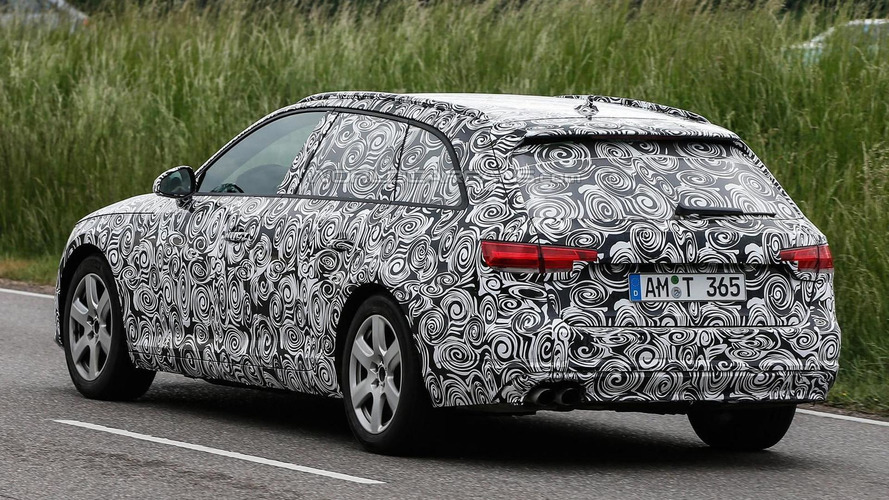 Next generation Audi A4 Avant shows taillights in new spy pics