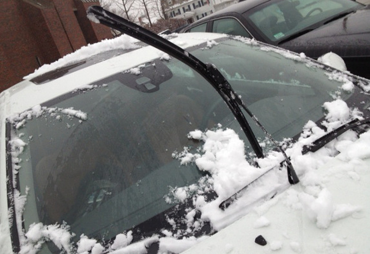 Really Volvo? These Wipers Don't Lift for Snow