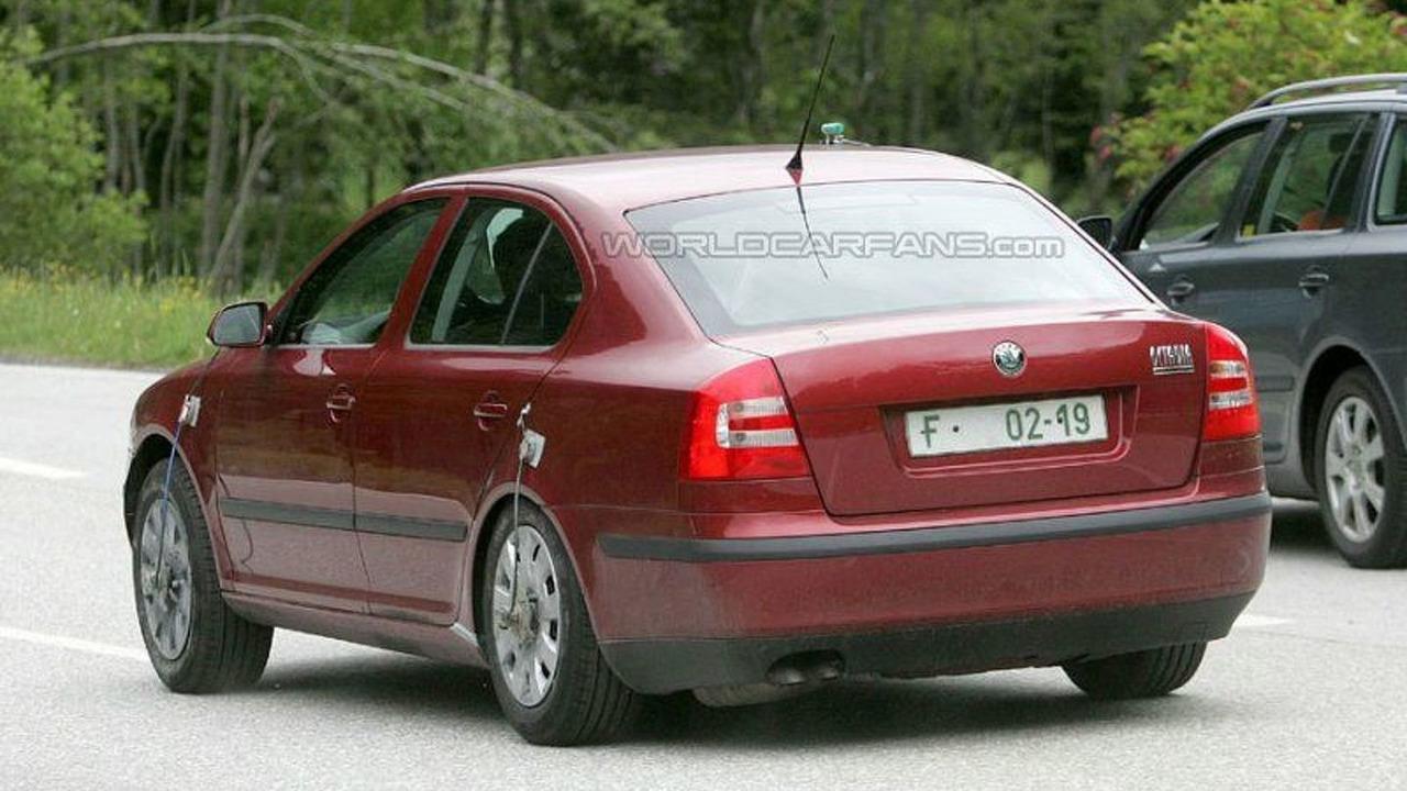 SPY PHOTOS: Skoda Octavia Facelift