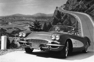 Wheels Wallpaper: 1961 Chevrolet Corvette