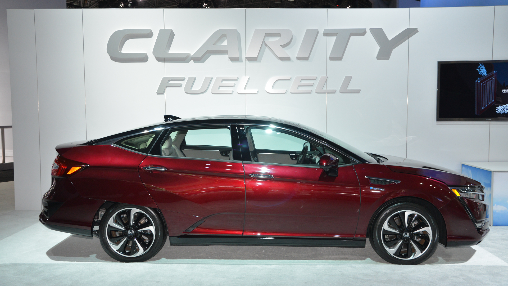 Honda new honda clarity fuel cell will come in 2017 car for Mt kisco honda service