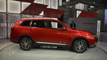 2016 Mitsubishi Outlander facelift pricing announced (US)