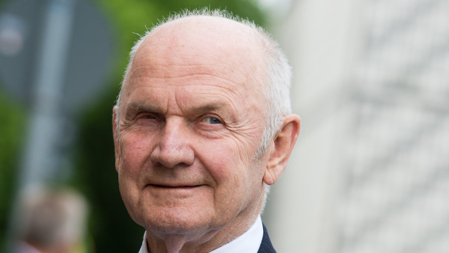 Ferdinand Piëch vai vender ações da Volks e se afastar da empresa