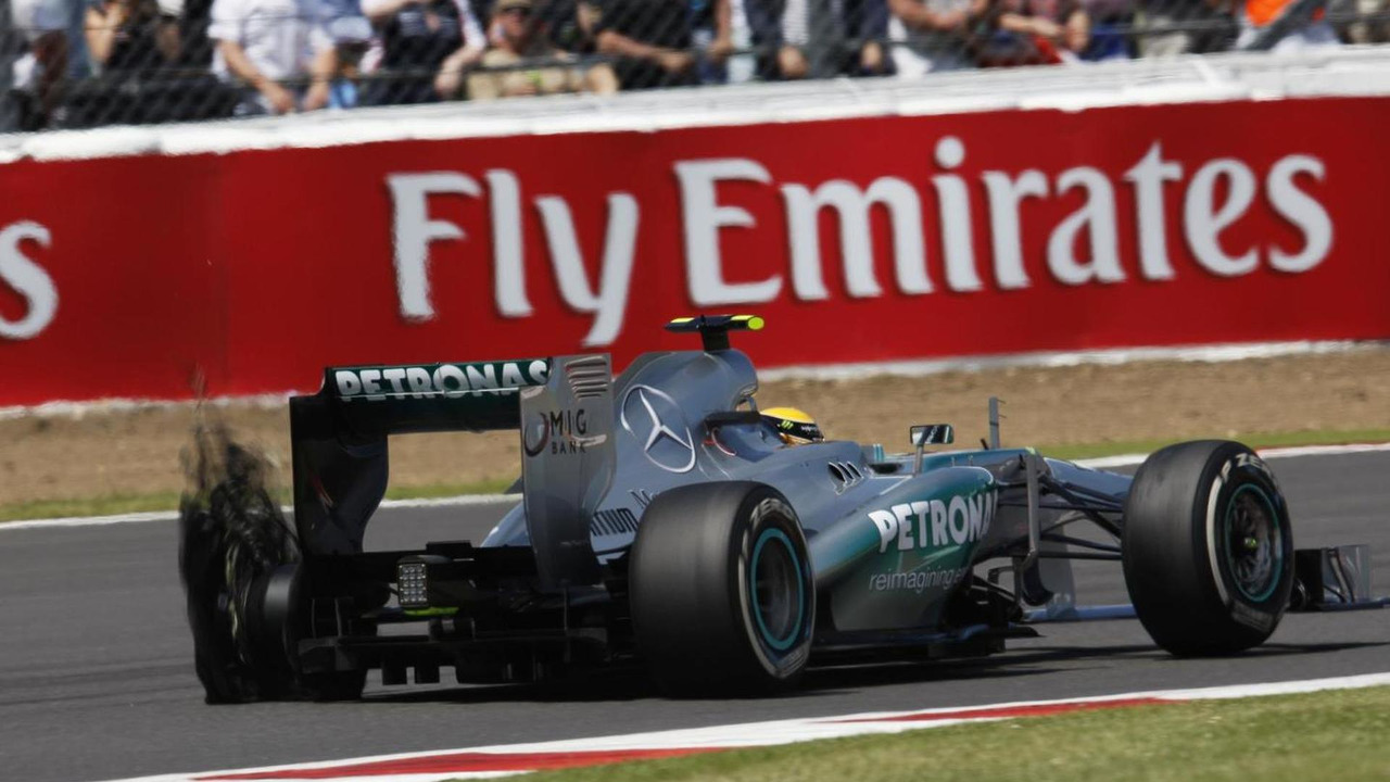 Lewis Hamilton, Mercedes AMG F1 W04 with a rear Pirelli tyre puncture