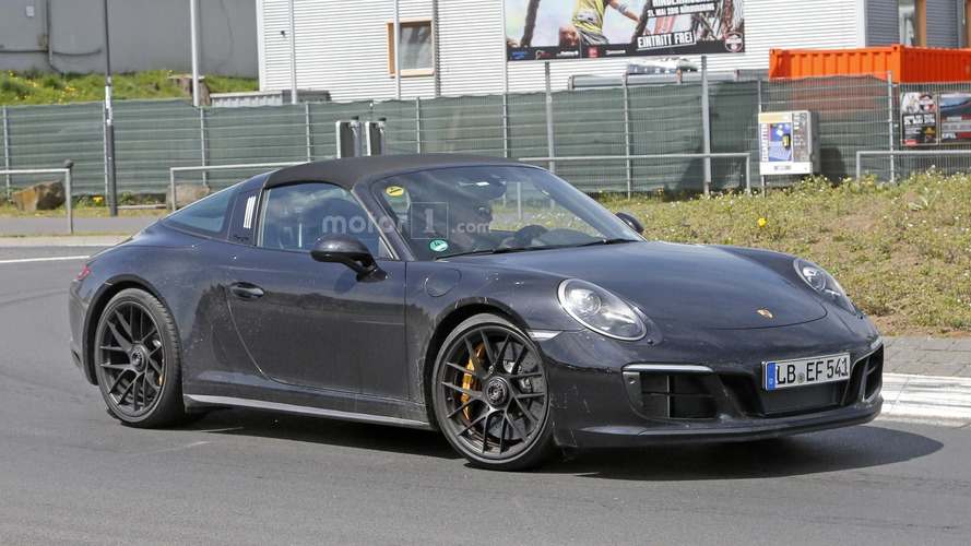 Porsche 911 Targa GTS puts on a new face for 2017