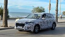 2015 Audi Q7 spied next to European beaches