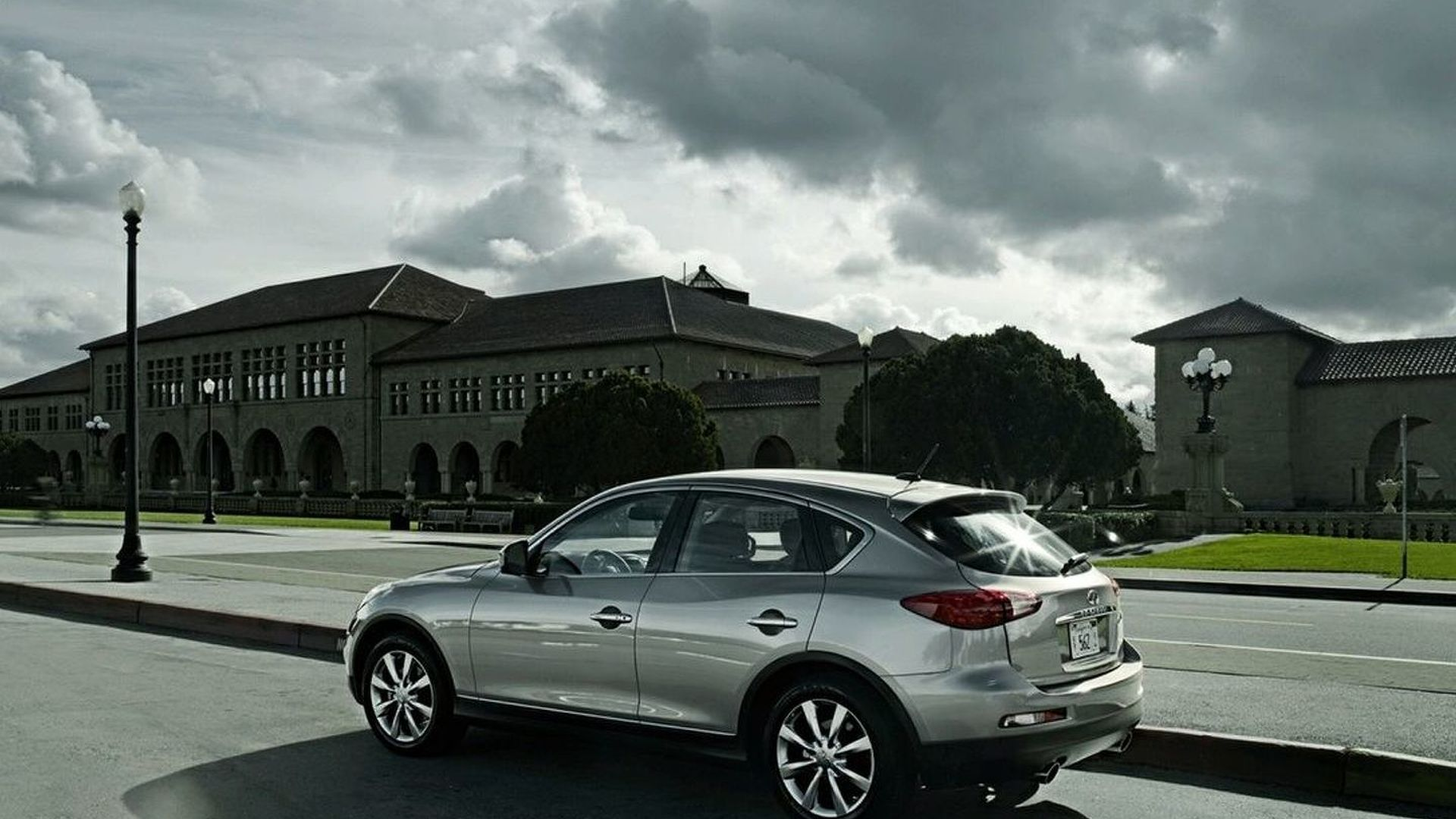 Infiniti EX37: World's Most Powerful Compact Crossover
