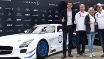 Mercedes builds a one-off SLS AMG GT3 for charity