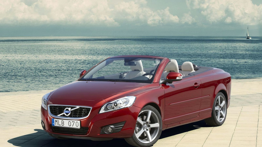 Volvo C70 Facelift Revealed Ahead of Frankfurt Debut