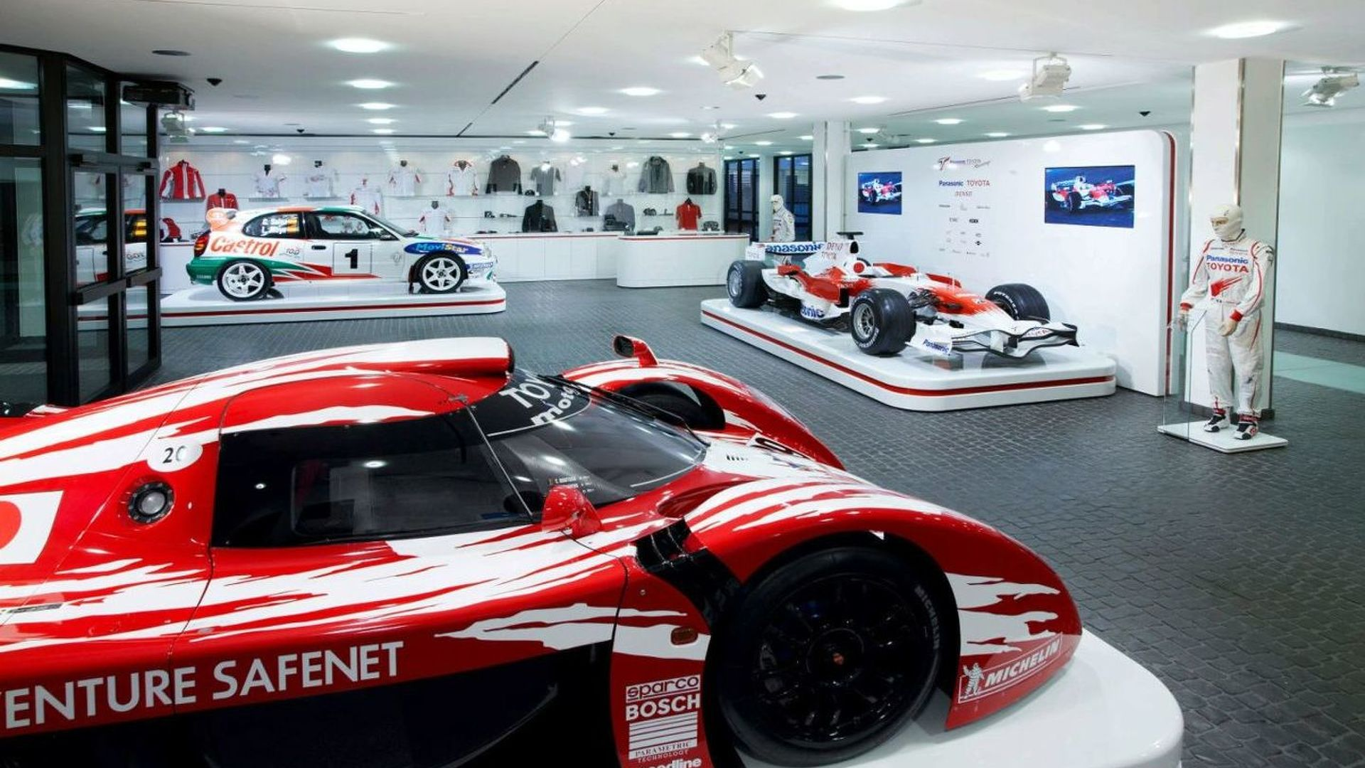 Stefan GP chief visits Toyota's Cologne HQ