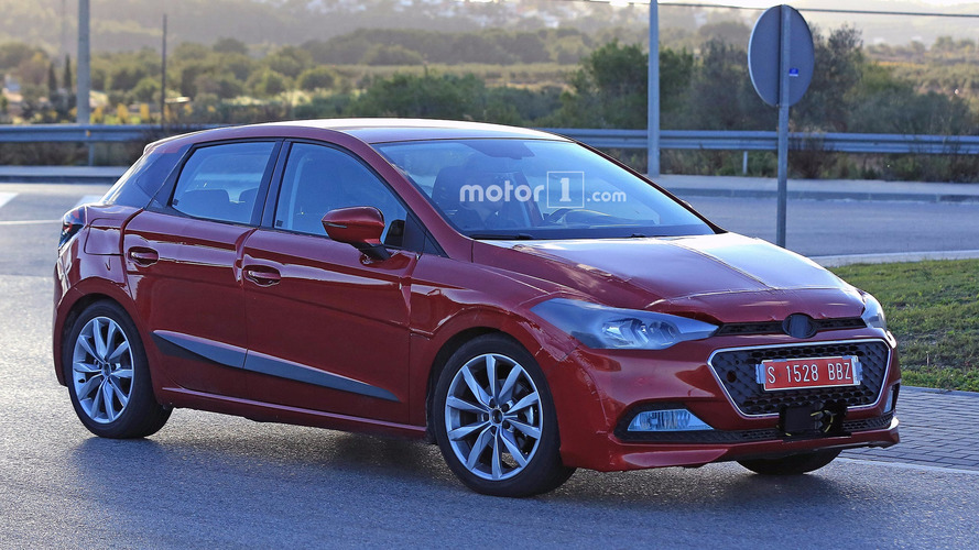 2017 Seat Ibiza spied doing its best Hyundai impression