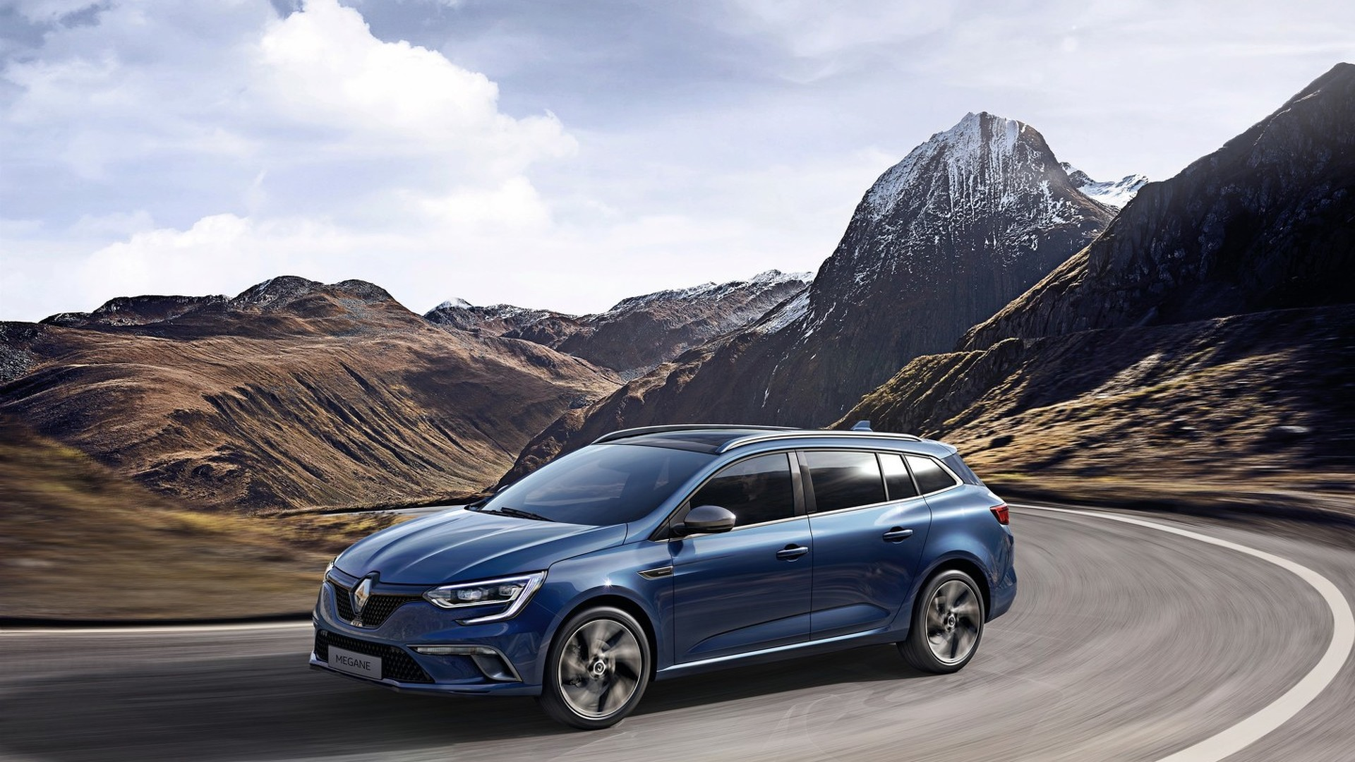 Renault Megane Estate blends practicality with sporty look