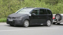 2011 VW Touran MPV First Spy Photos