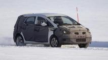 Hyundai ix30 MPV/Crossover spied dancing on ice